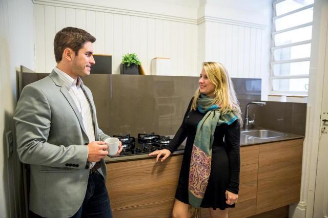 Alugado, apartamento de casal de arquitetos passa por transformações sem custos altos Omar Freitas/Agencia RBS