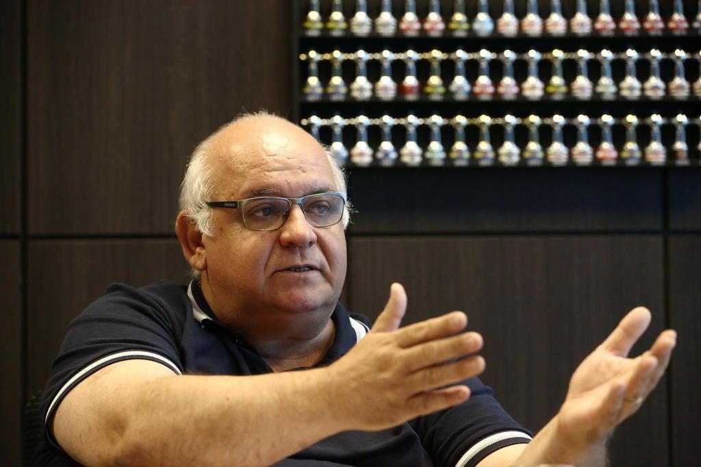 O que o presidente Romildo foi fazer no blindado vestiário de Renato Carlos Macedo/Agencia RBS