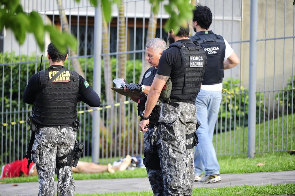 Noite tem sete mortes e ambulância abordada por criminosos em Porto Alegre Ronaldo Bernardi/Agencia RBS