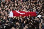 Vítimas de atentado em boate são sepultadas na Turquia