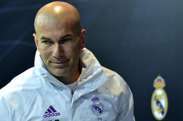 Zidane afirma não ter pedido reforços para o ataque do Real Madrid GERARD JULIEN/AFP