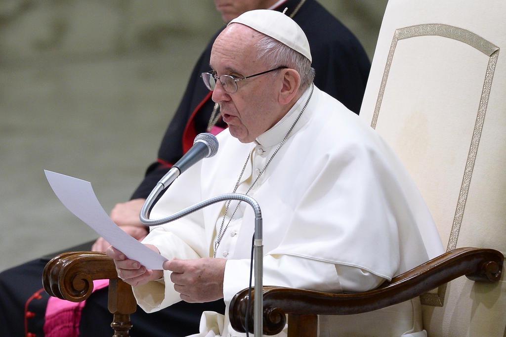 Após massacre em Manaus, Papa Francisco pede condições dignas para presos
