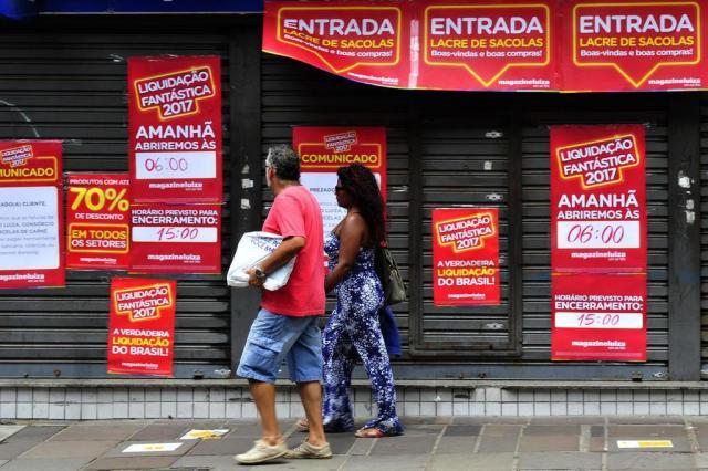 Saiba como aproveitar bem os descontos que as lojas prometem nesta largada de 2017 Luiz Armando Vaz/Agencia RBS