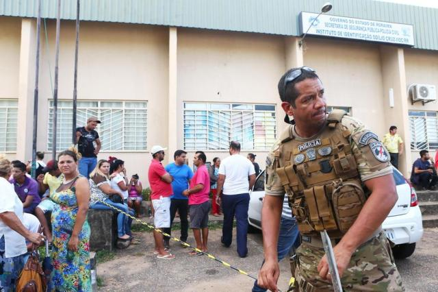 Resultado de imagem para Risco de rebeliões deixa nove estados em alerta