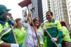 Regina Duarte varre ruas de São Paulo com prefeito João Doria MARIVALDO OLIVEIRA/ESTADÃO CONTEÚDO