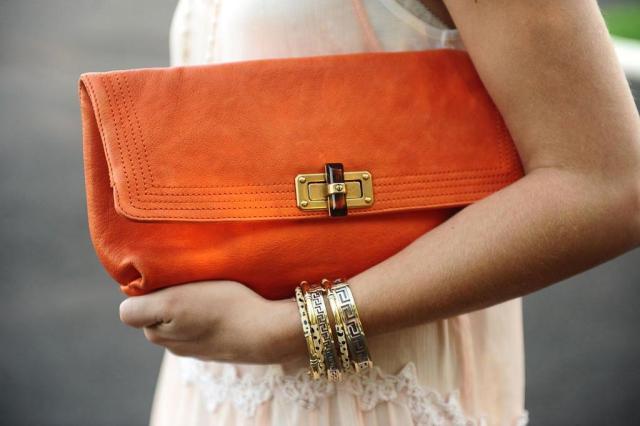 Bolsa De Mão Como Usar : Saiba como usar as famosas bolsas de m?o entretenimento