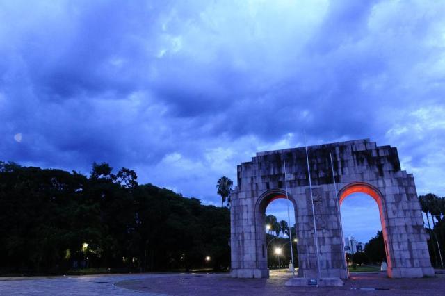 Terça-feira deve ser de chuva intensa no Rio Grande do Sul Ronaldo Bernardi/Agência RBS