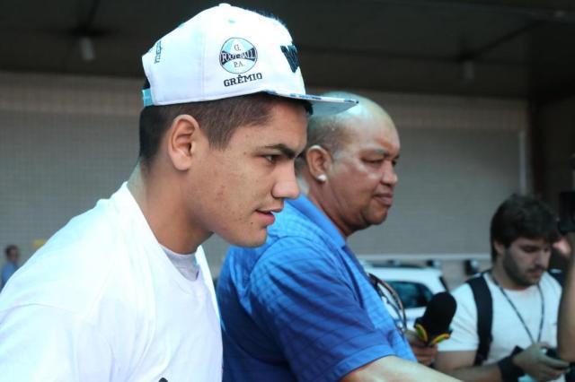 """""""Não tem nenhum problema no joelho"""", diz empresário sobre Gabriel Fernández Tadeu Vilani/Agencia RBS"""