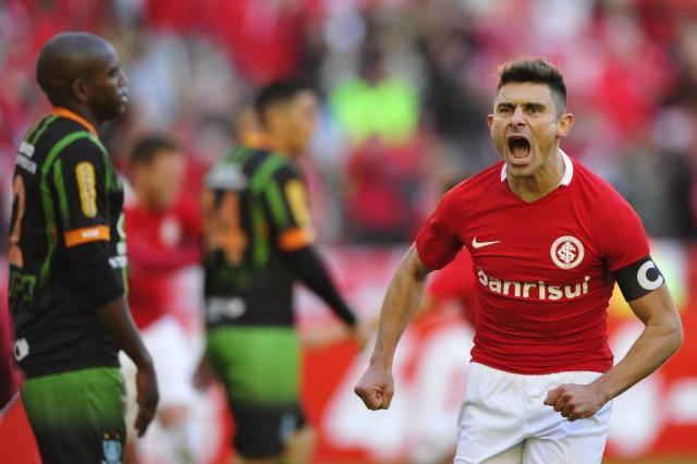 Imprensa de Pelotas destaca que Brasil-Pel tem interesse no meia Alex Diego Vara/Agencia RBS
