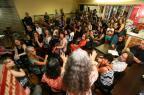 Artistas promovem evento com poesia, música e arte para protestar contra medidas do governo Sartori Lauro Alves/Agencia RBS