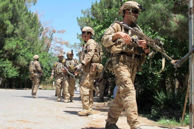 "Forças americanas que mataram 33 civis no Afeganistão agiram em ""legítima defesa"", sustenta Otan NOOR MOHAMMAD/AFP"