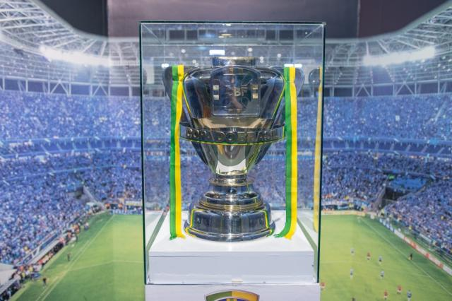 Grêmio expõe taça da Copa do Brasil na Arena Luciano Amoretti  / Divulgação Grêmio/Divulgação Grêmio