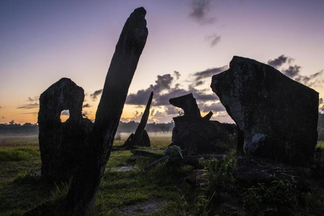 Pedras descobertas no Amapá estão mudando visões de arqueólogos sobre a história da Amazônia Dado Galdieri/The New York Times
