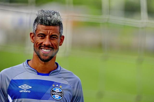 Incansável e polivalente: Léo Moura é a aposta do Grêmio para 2017 Lauro Alves/Agencia RBS