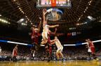 Trio comanda, Warriors domina e vence o Cavaliers Noah Graham/NBAE via Getty Images/AFP