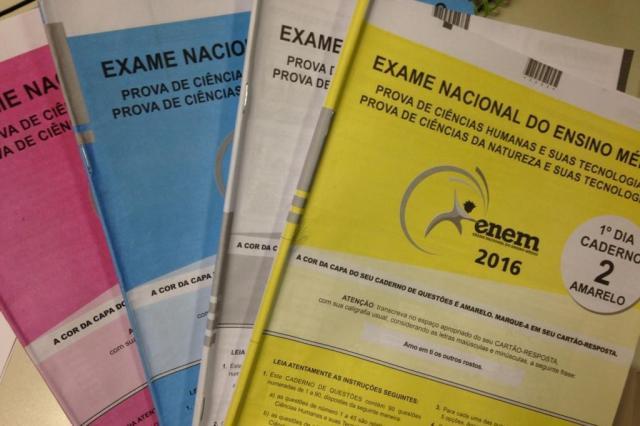 Inep tem até 10 de abril para divulgar espelhos de redação do Enem 2016 Débora Ely/Agência RBS