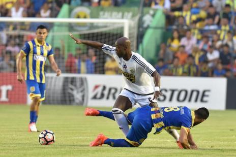 Capiatá vence o Táchira em jogo dafase preliminar da Libertadores (NORBERTO DUARTE/AFP)
