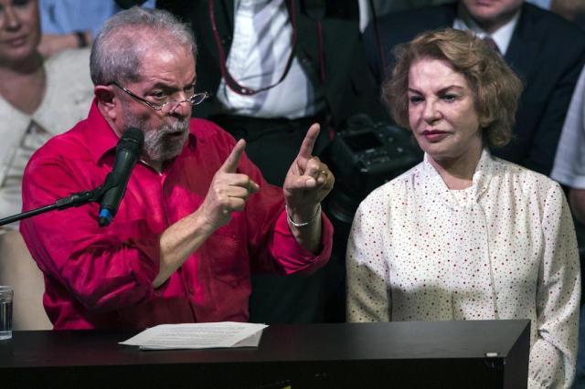 """Defesa de Lula pede a Moro """"absolvição sumária"""" de Marisa NELSON ALMEIDA/AFP"""