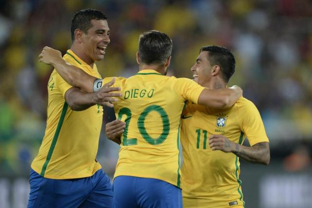 Tite convoca Seleção com Diego Souza na vaga de Gabriel Jesus  Pedro Martins/MoWA Press