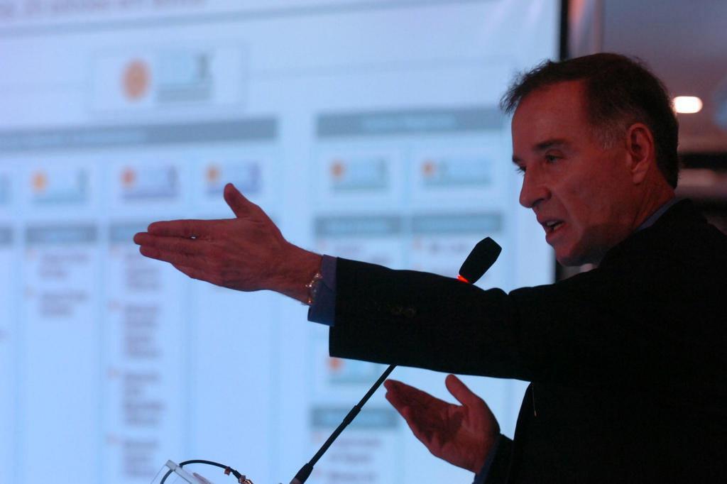 Advogado de Eike Batista nega acordo para que empresário se entregue