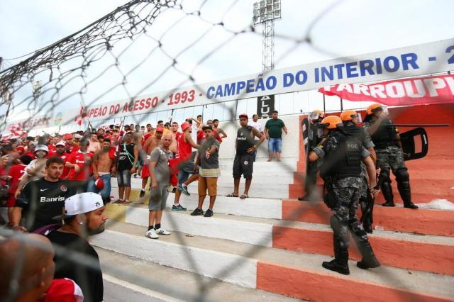 Inter afirma que vai responsabilizar torcedores envolvidos em briga e suspende organizadas Lauro Alves/Agencia RBS