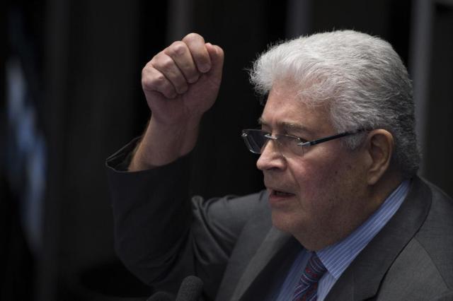 """Requião articula """"candidatura alternativa"""" no Senado Fabio Rodrigues Pozzebom/Agência Brasil"""