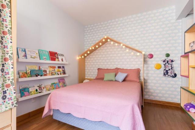 Marcenaria cria casinha de boneca em quarto infantil Marcelo Donadussi/Divulgação