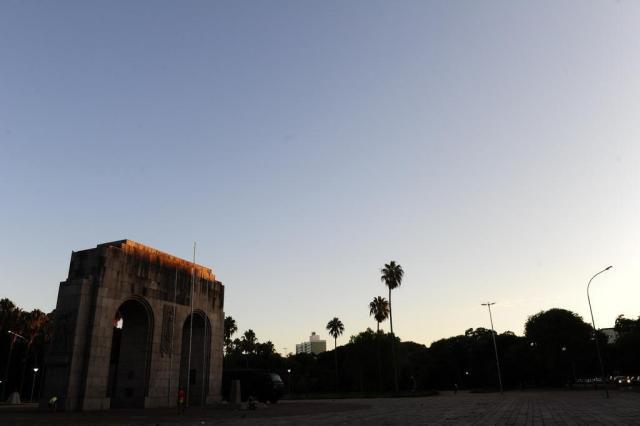 Segunda-feira terá predomínio de sol e calor em Porto Alegre Ronaldo Bernardi/Agência RBS