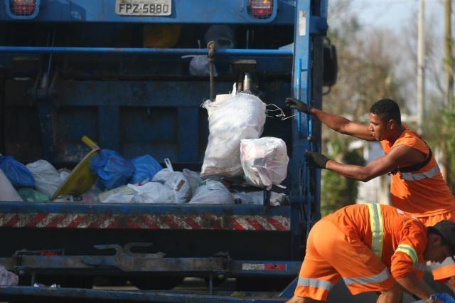 Empresa que faz coleta de lixo na Capital não tem como quitar salários Félix Zucco/Agencia RBS