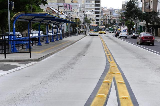 Porto Alegre fará testes para liberar faixas exclusivas de ônibus a táxis e lotações Ronaldo Bernardi/Agencia RBS