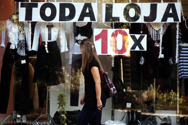 Comércio fecha 108,7 mil lojas e corta 182 mil vagas em 2016 Juan Barbosa/Agencia RBS