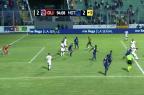 Torcedor invade gramado em Honduras e marca gol em clássico Reprodução / Youtube/Youtube