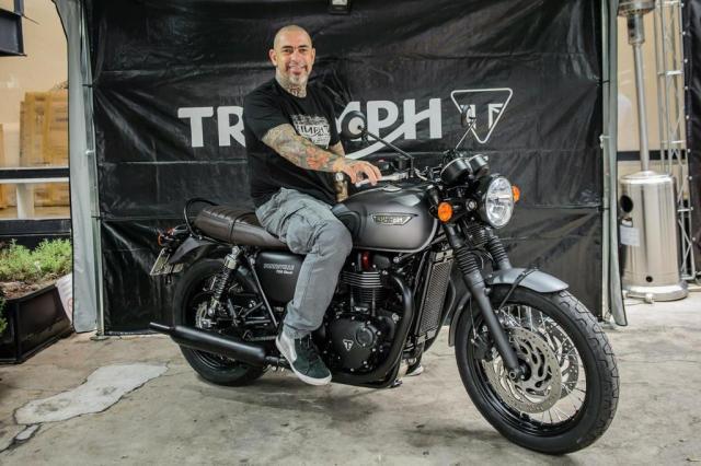Chef Fogaça de moto em Porto Alegre? Sim, é possível Divulgação/Triumph