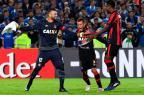Atlético-PR sofre, mas Weverton brilha e time avança nos pênaltis Luis Acosta / AFP/AFP
