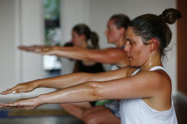 Testamos a hot ioga, uma das novidades em malhação na Capital Mariana Fontoura/Especial