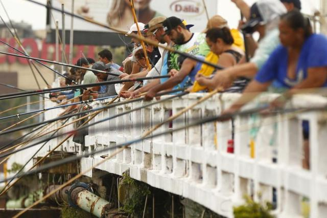 Pescaria foi o programa de muita gente em um dos primeiros fins de semana de tempo instável do ano Isadora Neumann/Agencia RBS