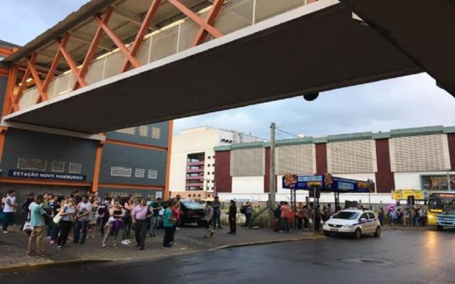 Trensurb volta a funcionar após falta de energia prejudicar transporte Cid Martins / Agência RBS/Agência RBS