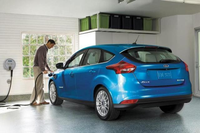 Novo Focus Elétrico tem 145cv e a bateria é carregada em 30 minutos Divulgação/Ford