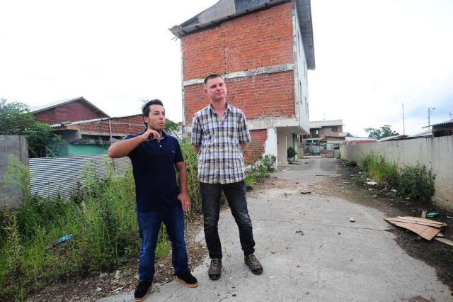 Moradores de residencial condenado em Caxias vivem há quase 4 anos em casas alugadas Porthus Junior/Agencia RBS
