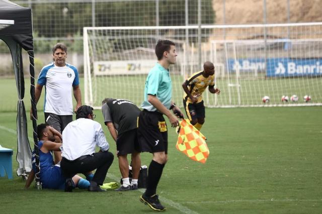 Edílson sente desconforto em jogo-treino com vitória do Grêmio sobre o São Gabriel Carlos Macedo/Agencia RBS