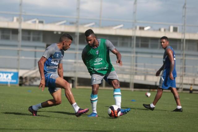 Com desfalques, Grêmio faz treinotécnico e físico no CT Luiz Carvalho André Ávila/Agencia RBS