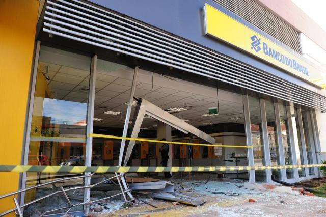 Banco do Brasil atingido por carro em Caxias não tem previsão de reabrir Roni Rigon/Agencia RBS