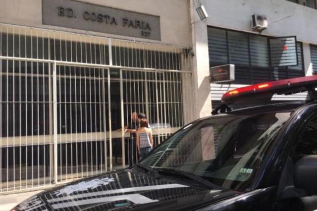 Senegalês morre ao cair em fosso de elevador no centro de Porto Alegre Marina Pagno/Agência RBS