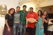 """Elenco de """"O Avental Rosa"""" se reúne para jantar oferecido porLeonita Requena no Saikô Liane Neves/Divulgação"""