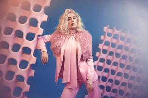 """Com vibe """"Black Mirror"""", Katy Perry lança clipe de """"Chained to the Rhythm"""". Assista ao vídeo Divulgação/"""