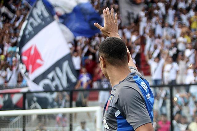 Luis Fabiano é regularizado pelo Vasco e estreará contra o Flamengo Paulo Fernandes/Vasco.com.br/Paulo Fernandes/Vasco.com.br