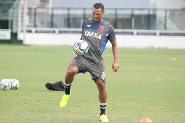 Preparador acredita ser cedo para Luís Fabiano estrear contra o Flamengo Vasco da Gama / Divulgação/Divulgação