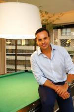 Cristiano Cruz, CEO da ONE Imóveis de Luxo, abre sua casa para a coluna Rede Social