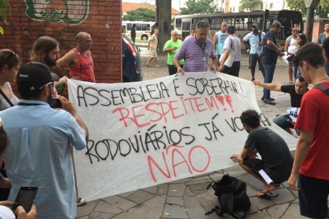 Rodoviários protestam contra reajuste oferecido por empresas Ronaldo Bernardi/Agencia RBS