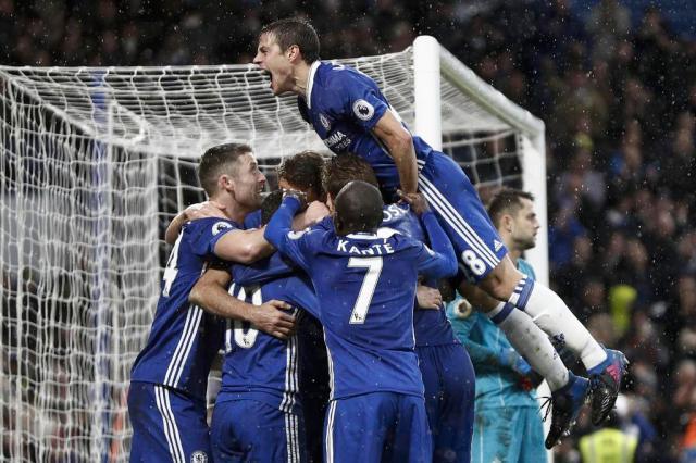 Chelsea encara o Tottenham na Copa da Inglaterra; Arsenal pega o City Adrian DENNIS/AFP